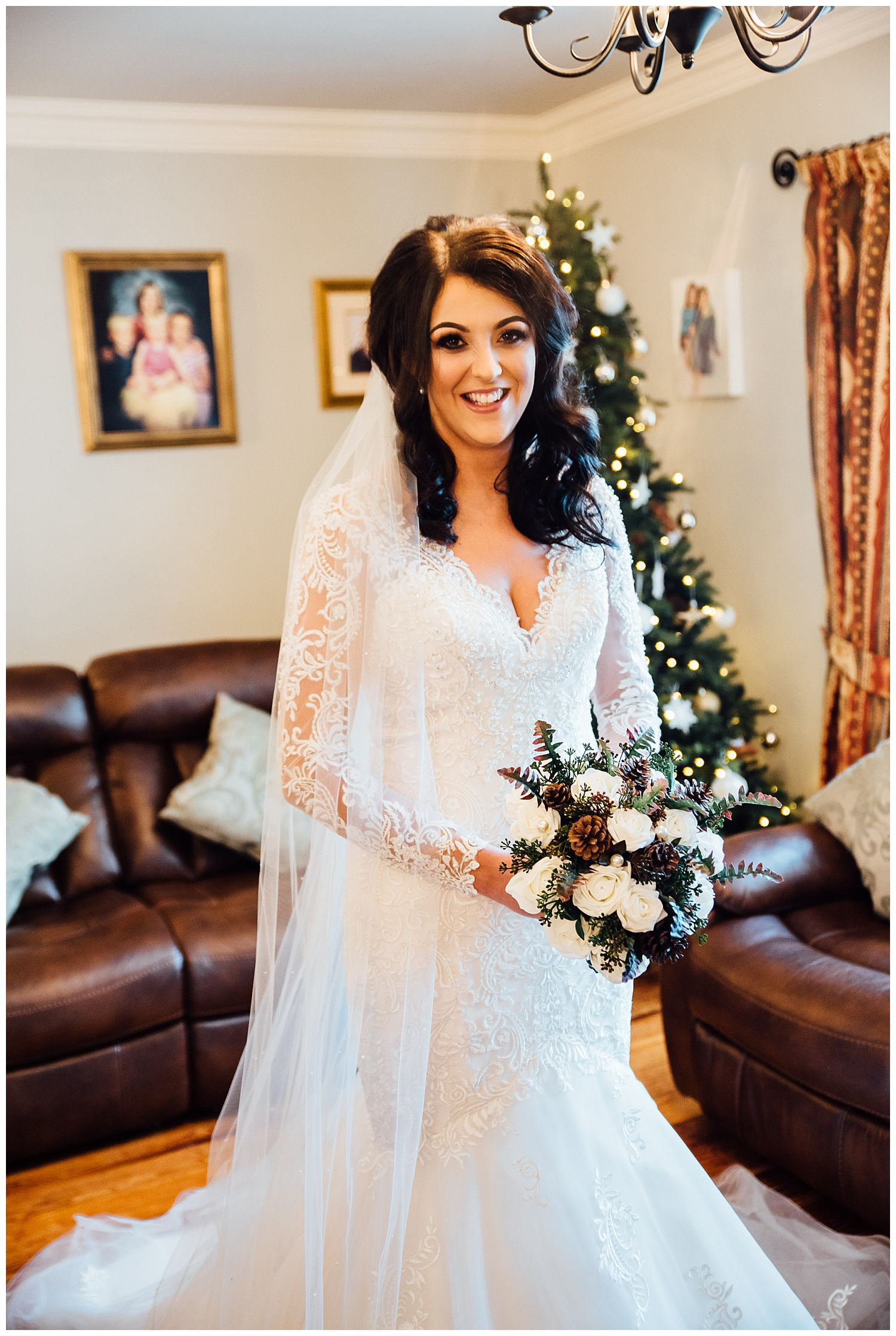 This image has an empty alt attribute; its file name is Winter-Wedding-on-Lusty-Beg-Island-County-Fermanagh-Northern-Ireland-Photographer-Gemma-G-21.jpg
