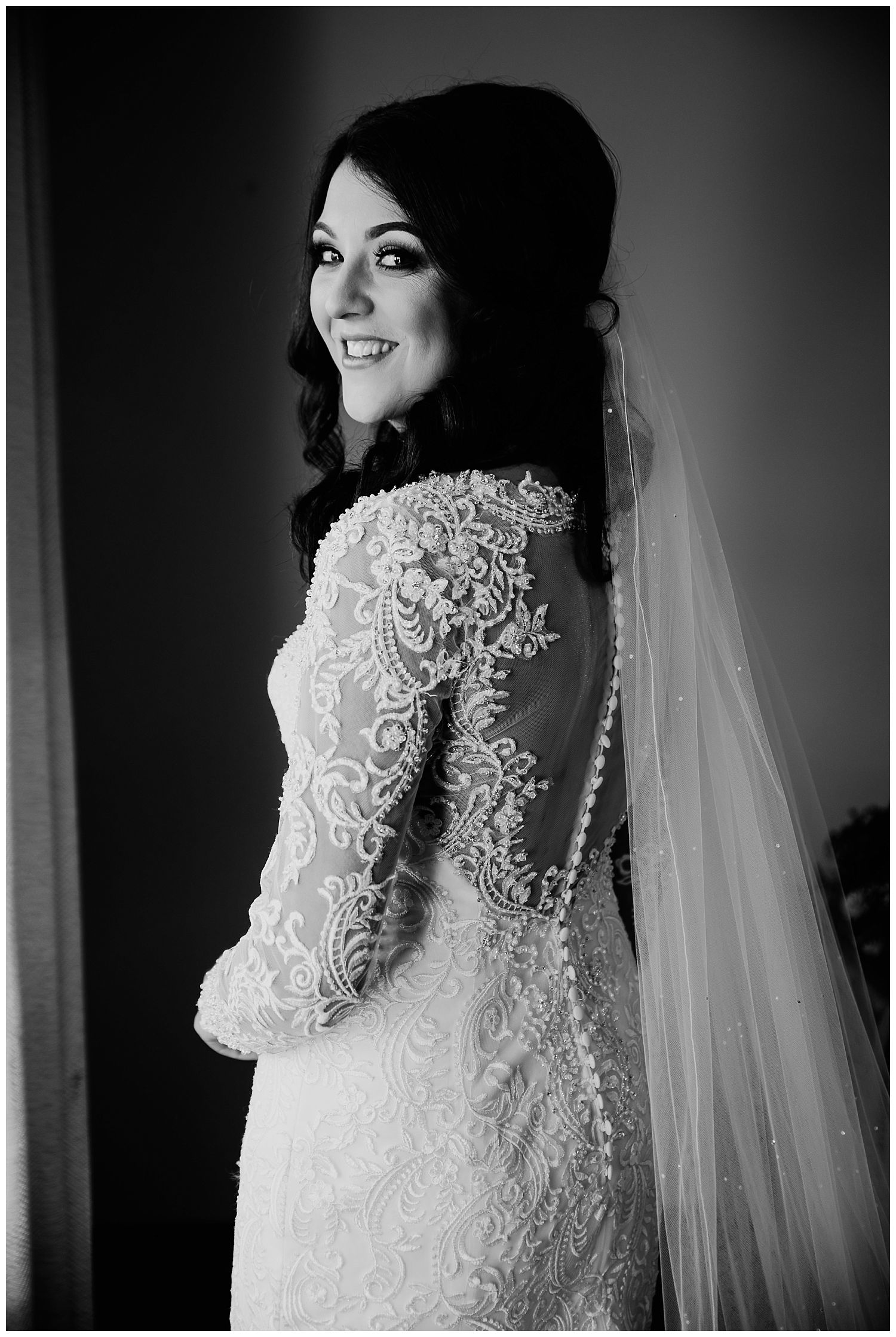 This image has an empty alt attribute; its file name is Winter-Wedding-on-Lusty-Beg-Island-County-Fermanagh-Northern-Ireland-Photographer-Gemma-G-30.jpg