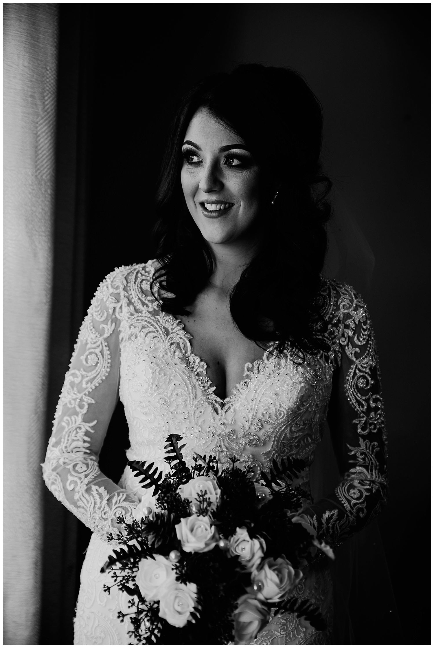 This image has an empty alt attribute; its file name is Winter-Wedding-on-Lusty-Beg-Island-County-Fermanagh-Northern-Ireland-Photographer-Gemma-G-32.jpg