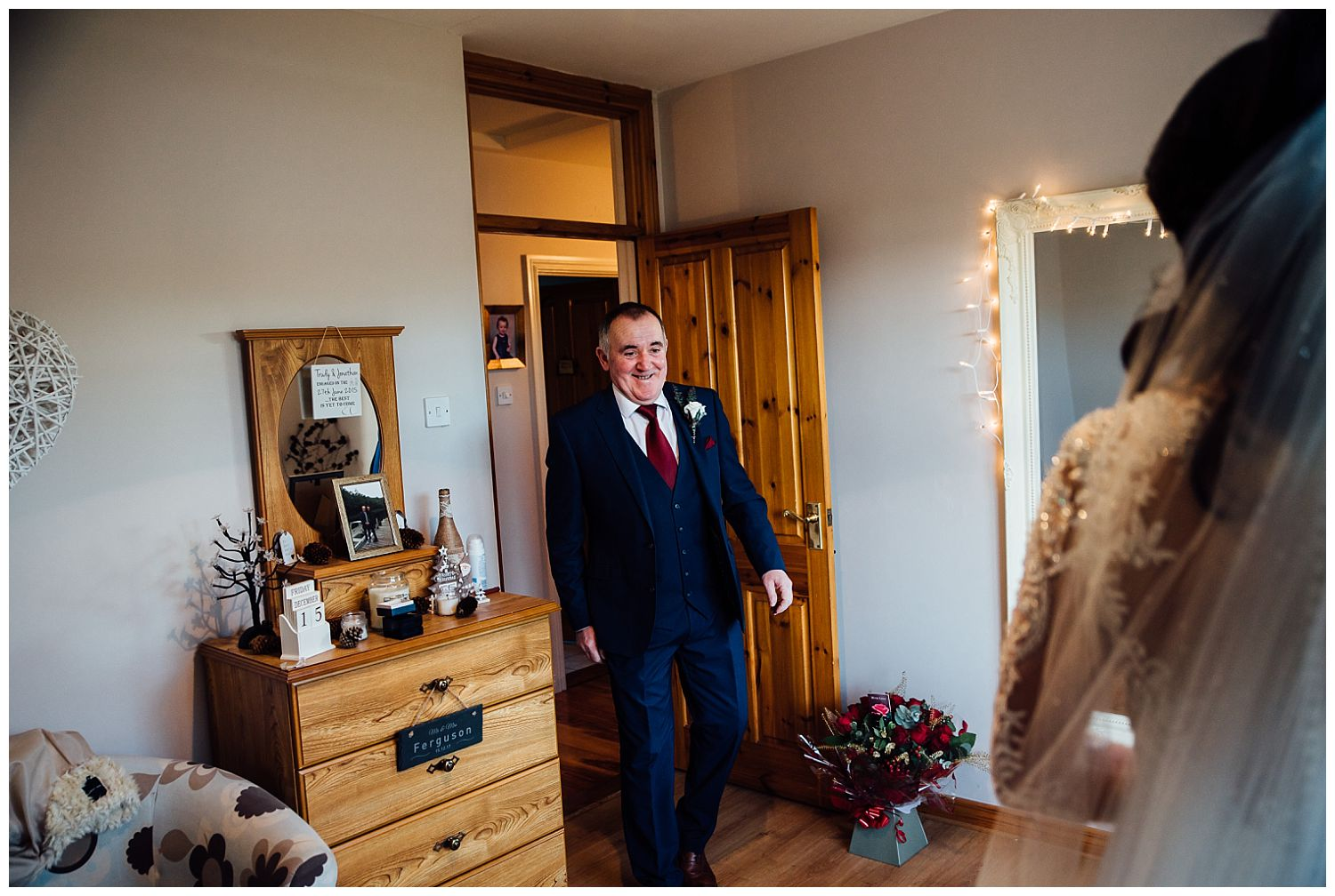 This image has an empty alt attribute; its file name is Winter-Wedding-on-Lusty-Beg-Island-County-Fermanagh-Northern-Ireland-Photographer-Gemma-G-33.jpg