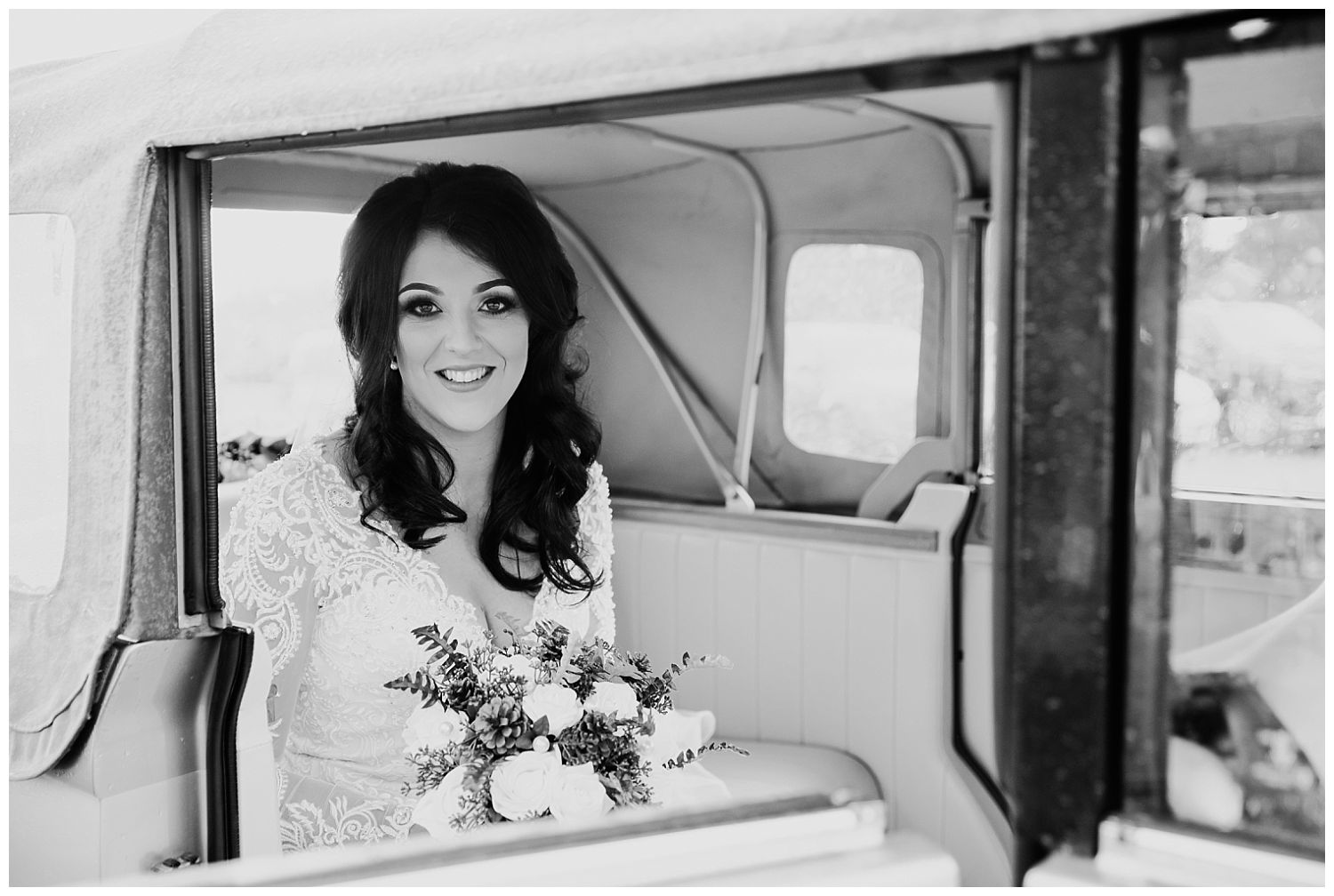 This image has an empty alt attribute; its file name is Winter-Wedding-on-Lusty-Beg-Island-County-Fermanagh-Northern-Ireland-Photographer-Gemma-G-42.jpg