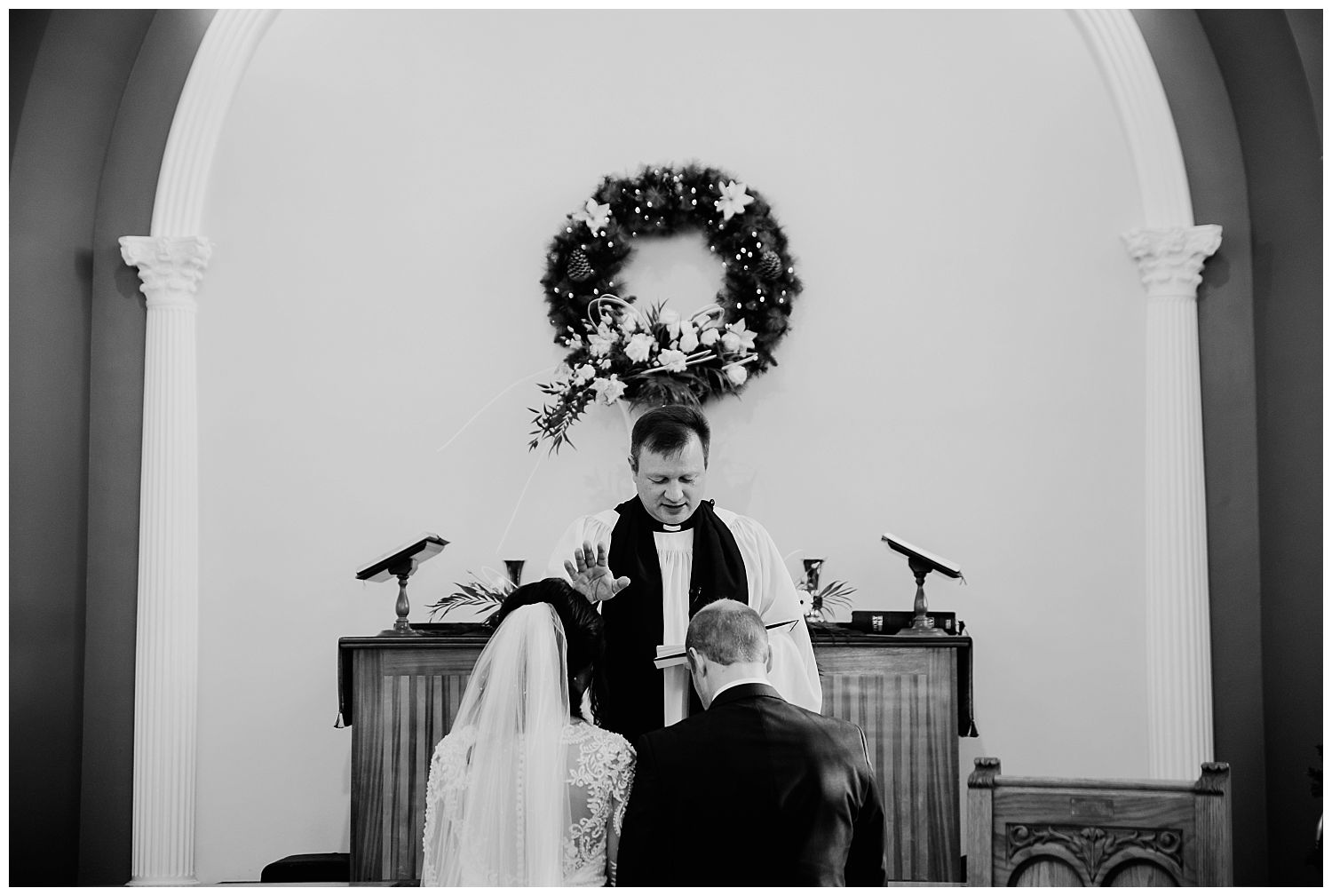 This image has an empty alt attribute; its file name is Winter-Wedding-on-Lusty-Beg-Island-County-Fermanagh-Northern-Ireland-Photographer-Gemma-G-50.jpg