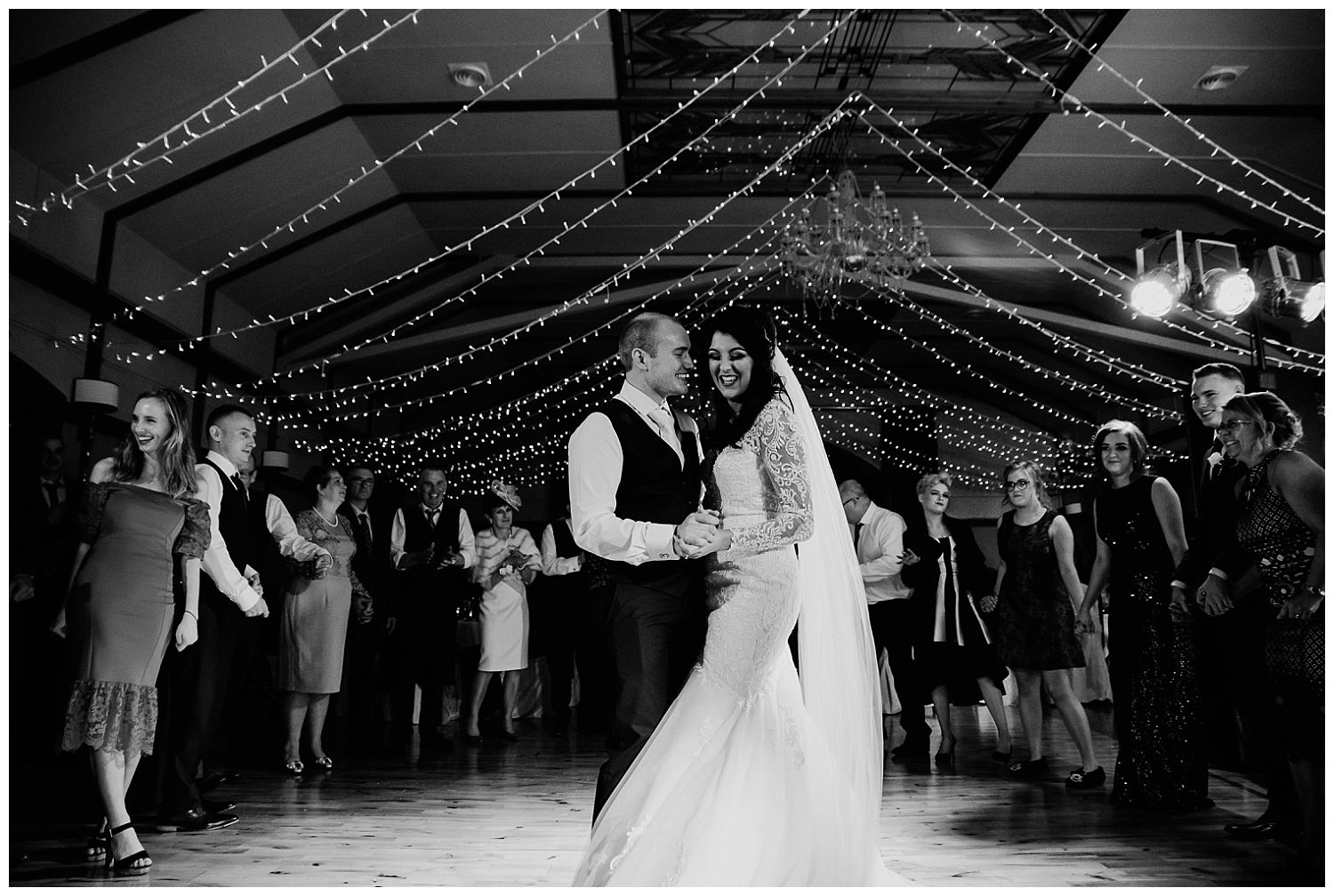 This image has an empty alt attribute; its file name is Winter-Wedding-on-Lusty-Beg-Island-County-Fermanagh-Northern-Ireland-Photographer-Gemma-G-93.jpg